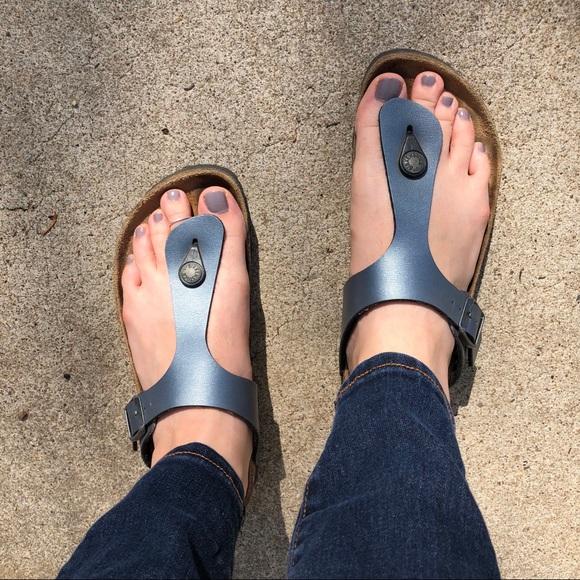 fffaa8776c36 Birkenstock Shoes - Metallic Gray Birkenstock Gizeh 🥈